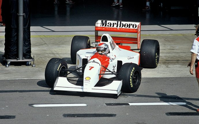1993 McLaren MP4/8 - Ford (Michael Andretti) | Projects to Try