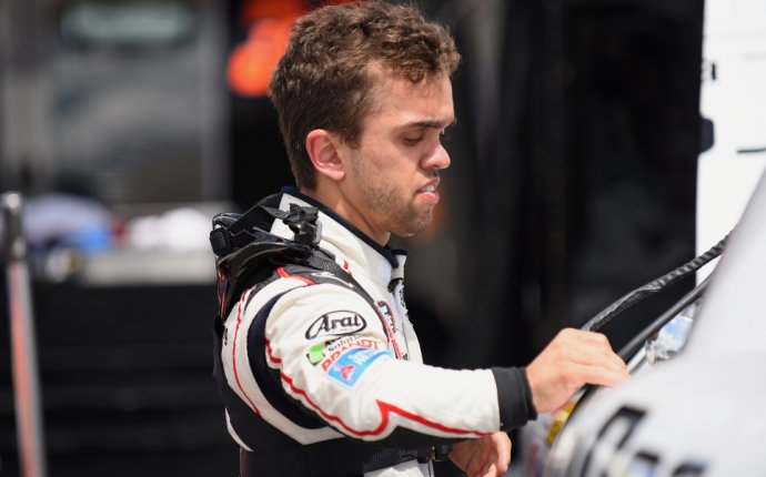 4-foot-4 NASCAR driver Rico Abreu wins first stock car race | For