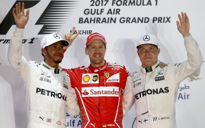 Bahrain Grand Prix 2017: Lewis Hamilton apologises for error that