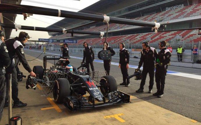 Barcelona F1 test day two - Formula 1 testing 2016 - Autosport