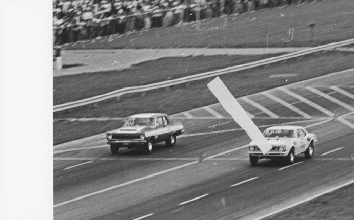 BILL JENKINS VS MOPAR AT INDY DRAG RACING 8X12 PHOTO   eBay