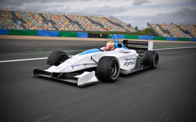 Electric Open Wheel Racing Series to Hit the Track in 2013