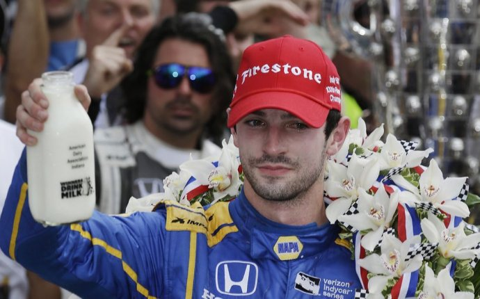 Indy 500 blog: Rookie Alexander Rossi wins on fumes