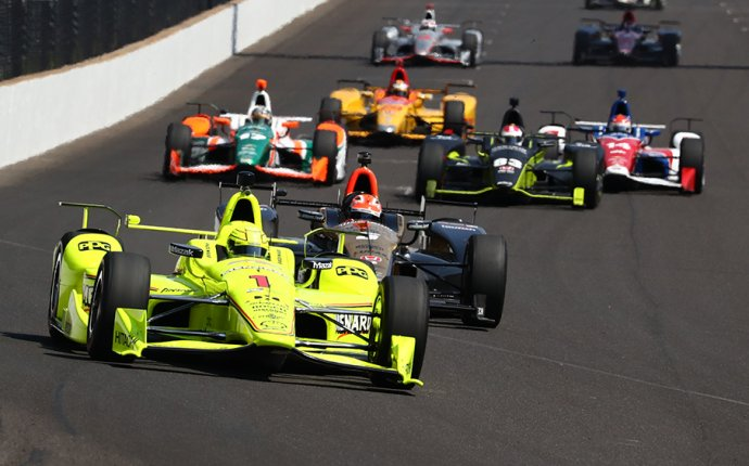 Indy 500 Live: Checkered Flag