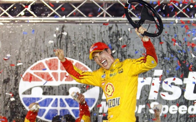 NASCAR at Bristol 2015 Results: Winner, Standings, Highlights and