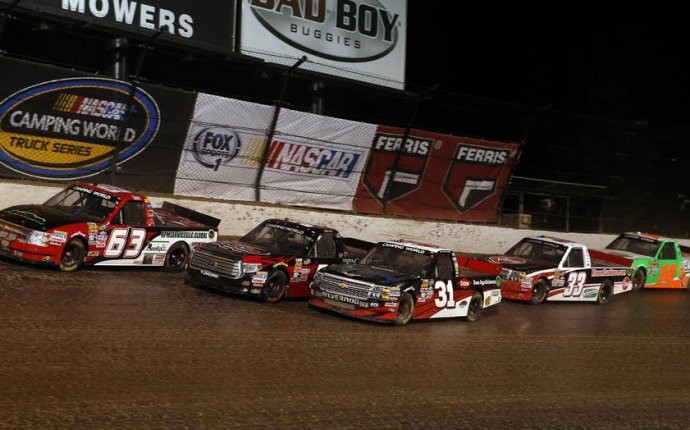 NASCAR reportedly looking for another dirt-track race   Autoweek