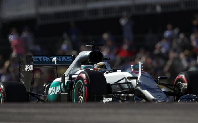 Qualifying - Hamilton storms to US pole