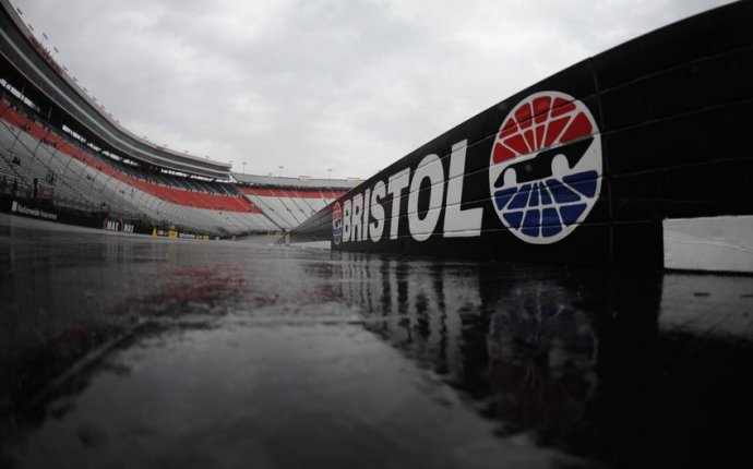 Rain postpones Bristol Trucks race to Thursday morning |
