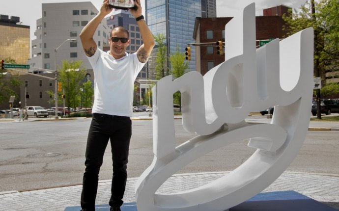 Tony Kanaan Does Indianapolis - Indianapolis Monthly