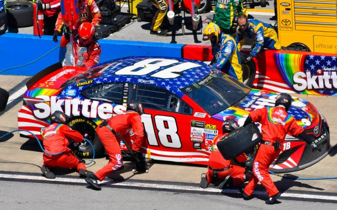 TV, radio listings for Kansas weekend: All eyes on winless Kyle Busch
