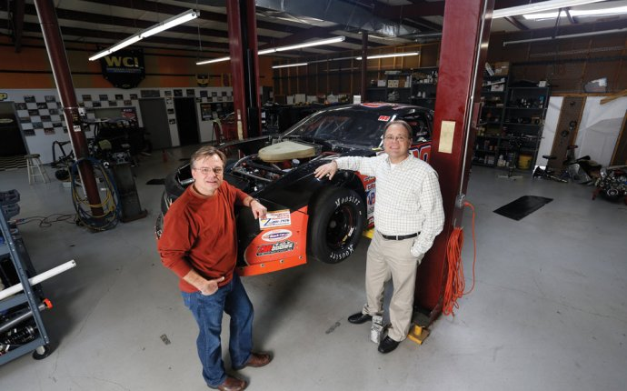 Two local brothers, business owners compete in short-track auto