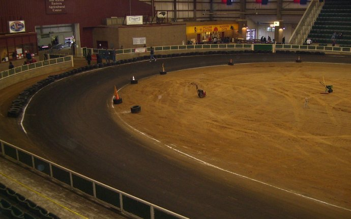 Indoor Dirt Track Racing
